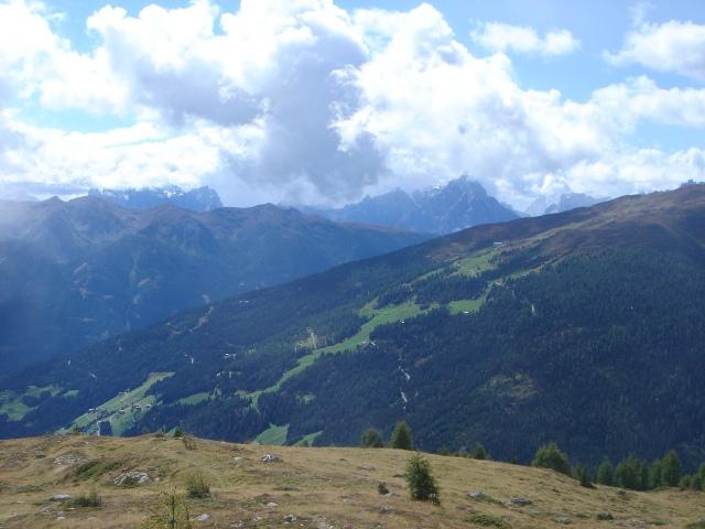 Foto: berglerin / Wander Tour / Gabesitten (2665m) / Die Sicht wird frei in die Dolomiten / 27.08.2009 17:48:27