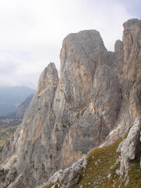 Foto: Manfred Karl / Kletter Tour / Alpinikante / Kl. und Gr. Falzaregoturm mit vielen phantastischen Klettermöglichkeiten / 28.08.2009 21:24:07