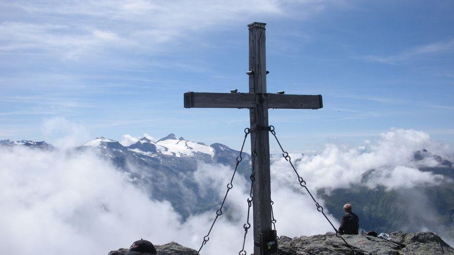 Foto: mark1980 / Wander Tour / Rastkogelhütte - Rastkogel (2762m) / Gipfel Rastkogel, im Hintergrund Hintertuxer Gletscher / 29.08.2009 09:43:11
