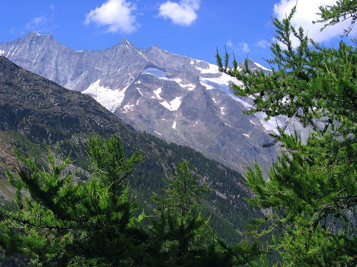 Foto: Andreas Koller / Klettersteigtour / Erlebnisweg Almagellerhorn (1999 m) / Dom (4545 m), Lenzspitze (4294 m). Nadelhorn (4327 m), Ulrichshorn (3925 m) / 07.09.2009 23:08:29