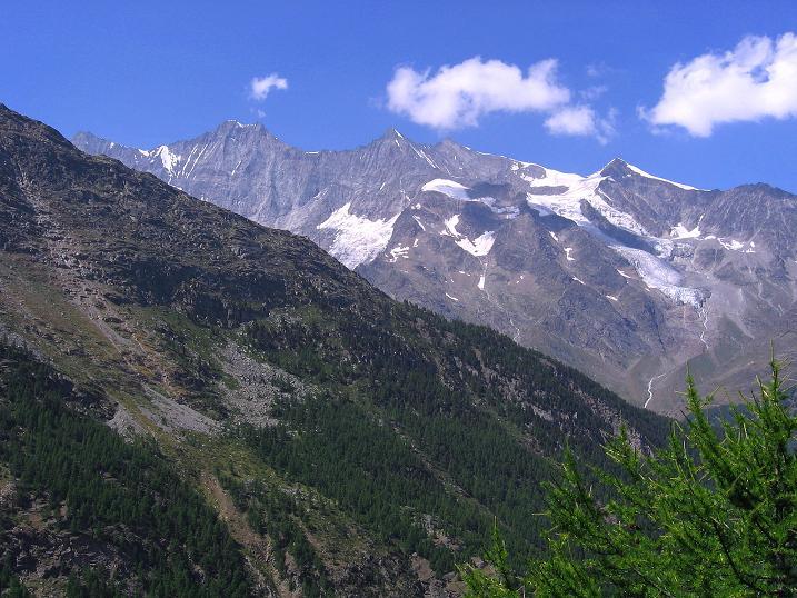 Foto: Andreas Koller / Klettersteig Tour / Erlebnisweg Almagellerhorn (1999 m) / Täschhorn (4491 m), Dom (4545 m), Lenzspitze (4294 m), Nadelhorn (4327 m), Ulrichshorn (3925 m) / 07.09.2009 23:06:39