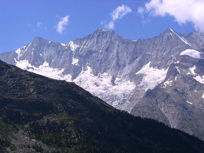 Foto: Andreas Koller / Klettersteig Tour / Erlebnisweg Almagellerhorn (1999 m) / Täschhorn (4491 m), Dom (4545 m), Lenzspitze (4294 m) und Nadelhorn (4327 m) / 07.09.2009 23:03:25