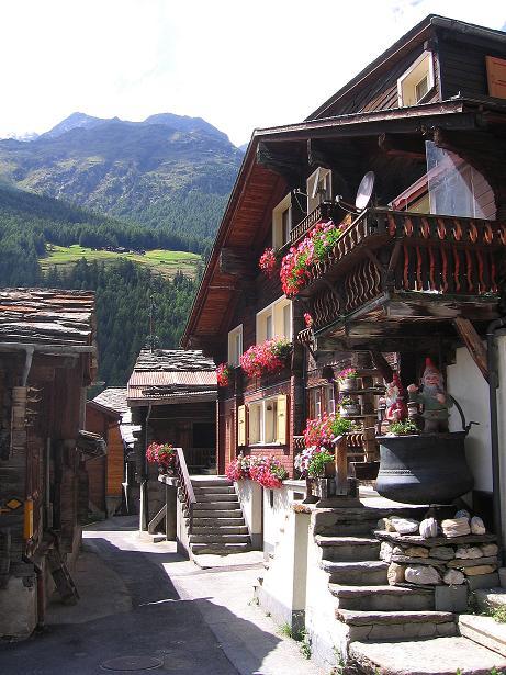Foto: Andreas Koller / Klettersteig Tour / Mini-Klettersteig Saas Grund (1670 m) / Der alte Kern von Saas Grund / 03.09.2009 20:34:24