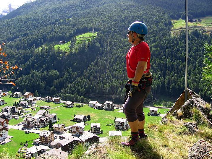 Foto: Andreas Koller / Klettersteig Tour / Mini-Klettersteig Saas Grund (1670 m) / Beim Ausstieg hoch über Saas Grund / 03.09.2009 20:30:58