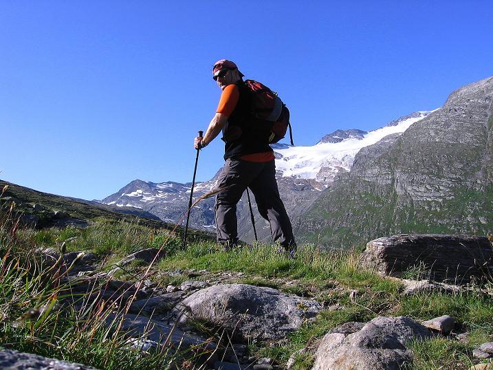Foto: Andreas Koller / Wander Tour / Stelli - Aussichtsloge über dem Stausee Mattmark (3357 m) / 03.09.2009 23:39:06
