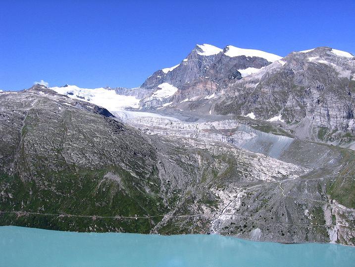 Foto: Andreas Koller / Wander Tour / Stelli - Aussichtsloge über dem Stausee Mattmark (3357 m) / Strahlhorn (4190 m) und Fluchthorn (3796 m) / 03.09.2009 23:38:35