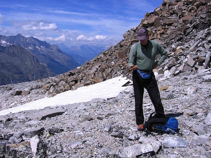 Foto: Andreas Koller / Wander Tour / Stelli - Aussichtsloge über dem Stausee Mattmark (3357 m) / Abstieg vom Stelli / 03.09.2009 23:31:05