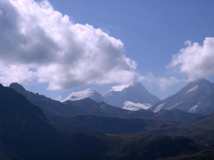 Foto: Andreas Koller / Wander Tour / Bella Tola - Aussichtsbalkon der Walliser Alpen (3026 m) / Bishorn (4153 m) und Weißhorn (4506 m) / 05.09.2009 18:51:14