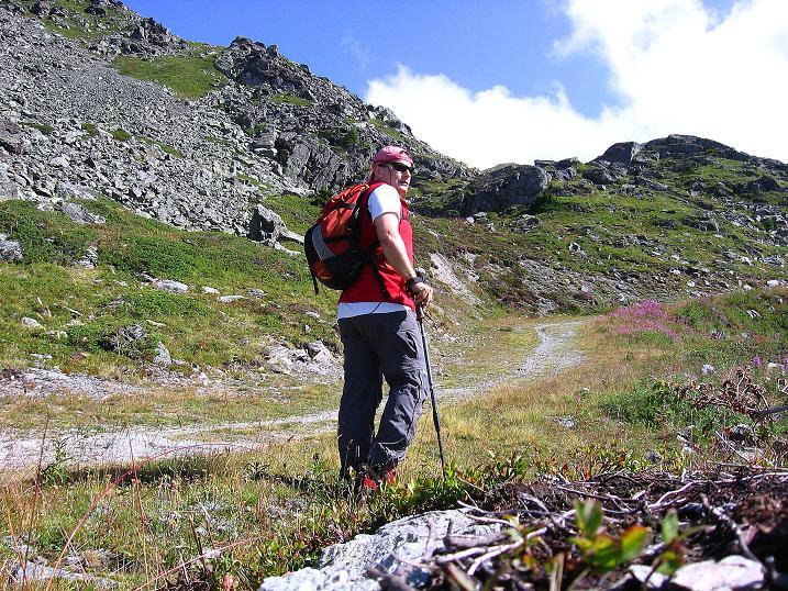 Foto: Andreas Koller / Wander Tour / Bella Tola - Aussichtsbalkon der Walliser Alpen (3026 m) / 05.09.2009 18:50:21