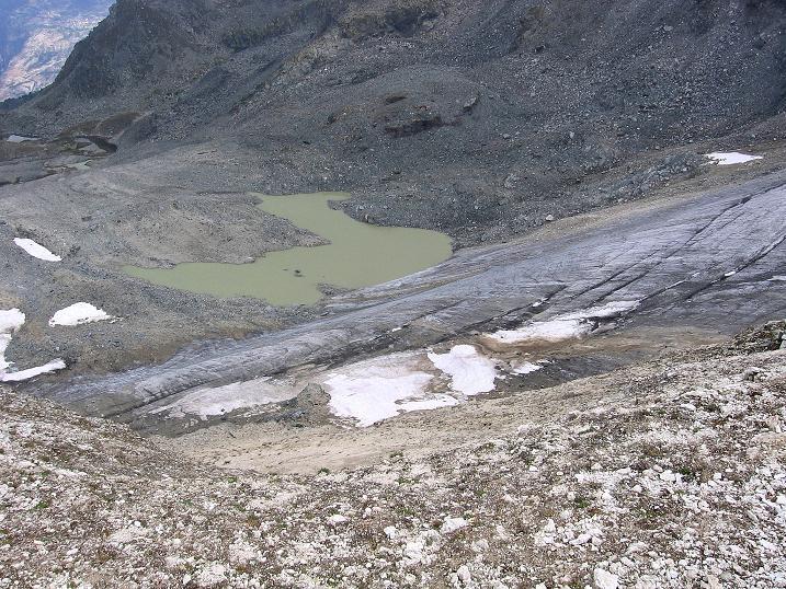 Foto: Andreas Koller / Wander Tour / Bella Tola - Aussichtsbalkon der Walliser Alpen (3026 m) / Auch die Bella Tola hat ihren (kleinen) Gletscher / 05.09.2009 18:46:54
