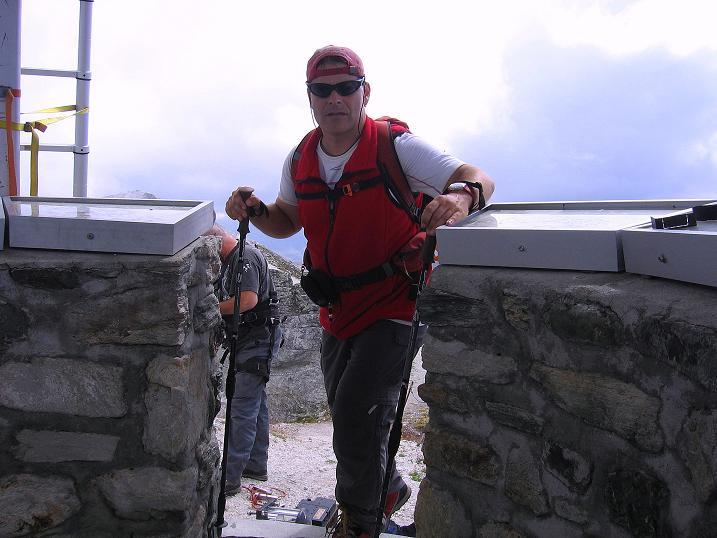 Foto: Andreas Koller / Wander Tour / Bella Tola - Aussichtsbalkon der Walliser Alpen (3026 m) / 05.09.2009 18:43:04