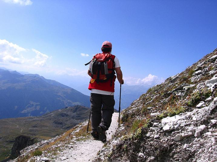 Foto: Andreas Koller / Wander Tour / Bella Tola - Aussichtsbalkon der Walliser Alpen (3026 m) / Abstieg von der Bella Tola / 05.09.2009 18:39:30