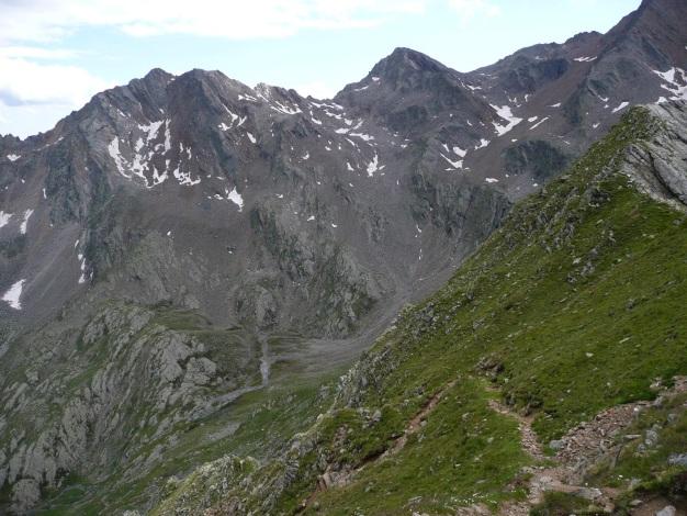 Foto: Manfred Karl / Wander Tour / Auf den Hausberg der Lodnerhütte / Der Doppelgipfel links: Zielspitze (siehe Alpintouren.com) / 31.08.2009 15:48:03