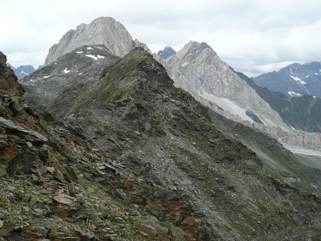 Foto: Manfred Karl / Wander Tour / Klettersteigdreitausender über dem Halsljoch / Der Grat zum Lodner / 31.08.2009 16:12:03