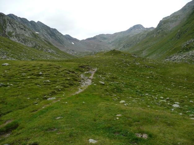 Foto: Manfred Karl / Wander Tour / Einsamer Dreitausender von der Lodnerhütte / Rückblick auf den weiten Weg vom Gingljoch / 31.08.2009 15:57:12