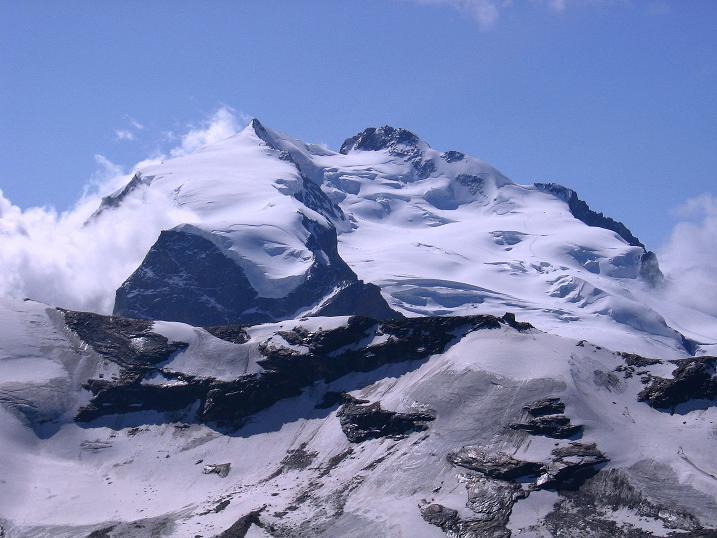 Foto: Andreas Koller / Wander Tour / Wanderdreitausender Oberrothorn (3415 m) / Nordend (4609 m) und Dufourspitze (4634 m) / 05.09.2009 00:23:53