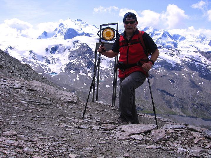 Foto: Andreas Koller / Wander Tour / Wanderdreitausender Oberrothorn (3415 m) / Im Angesicht des Monte Rosa Massivs (4634 m) / 05.09.2009 00:19:48