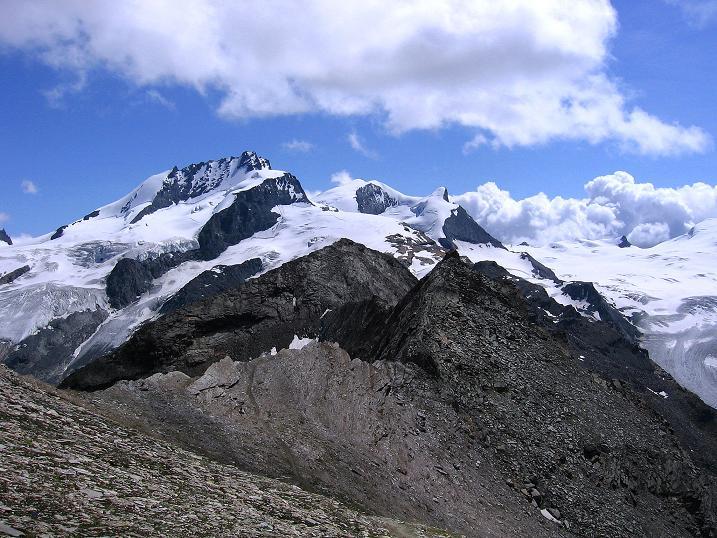 Foto: Andreas Koller / Wander Tour / Wanderdreitausender Oberrothorn (3415 m) / Rimpfischhorn (4199 m) und Strahlhorn (4190 m) / 05.09.2009 00:19:08