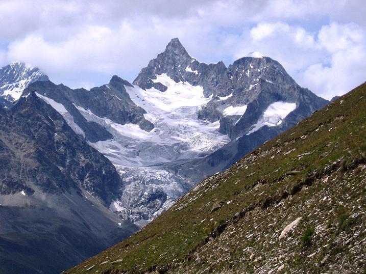 Foto: Andreas Koller / Wander Tour / Wanderdreitausender Oberrothorn (3415 m) / Obergabelhorn (4063 m) / 05.09.2009 00:14:09