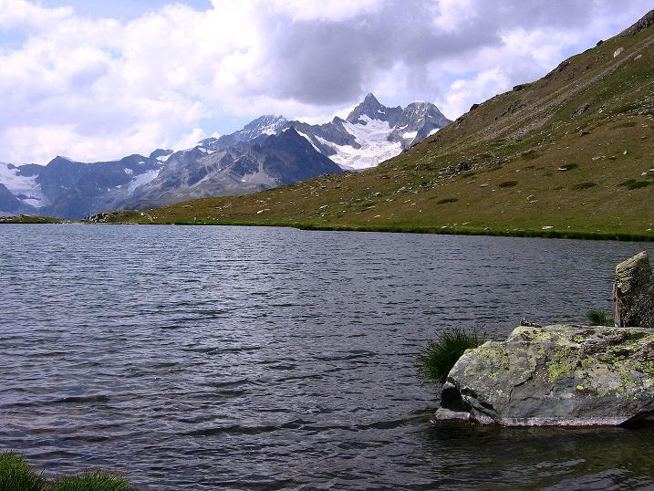 Foto: Andreas Koller / Wander Tour / Wanderdreitausender Oberrothorn (3415 m) / Obergabelhorn (4063 m) / 05.09.2009 00:12:38