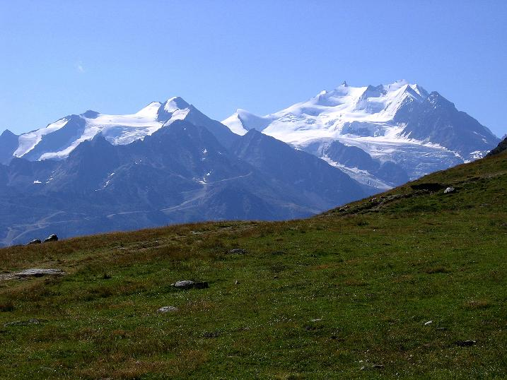 Foto: Andreas Koller / Wander Tour / Über den Augstbordgrat auf das Dreizehntenhorn (3052 m) / Balfrin (3796 m), Ulrichshorn (3925 m), Nadelhorn (4327 m) und Dom (4545 m) / 07.09.2009 21:41:42