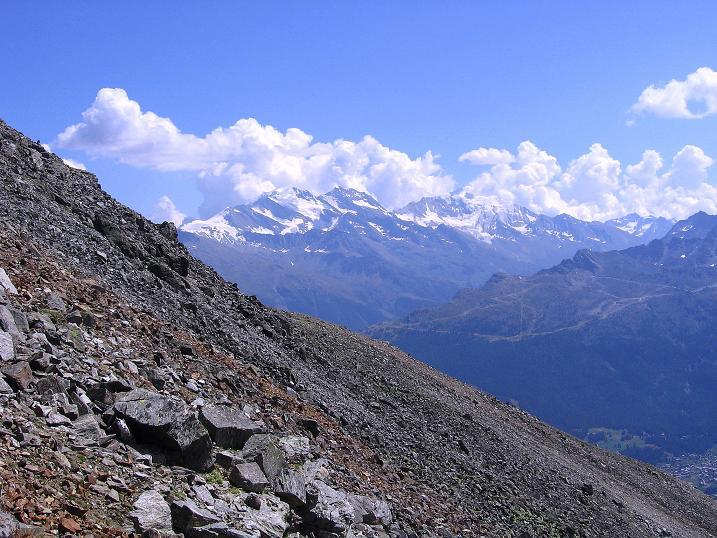 Foto: Andreas Koller / Wander Tour / Über den Augstbordgrat auf das Dreizehntenhorn (3052 m) / Über den Augstbordgrat zum Dreizehntenhorn ,it Blick in die Weißmiesgruppe (4023 m) / 07.09.2009 21:32:22