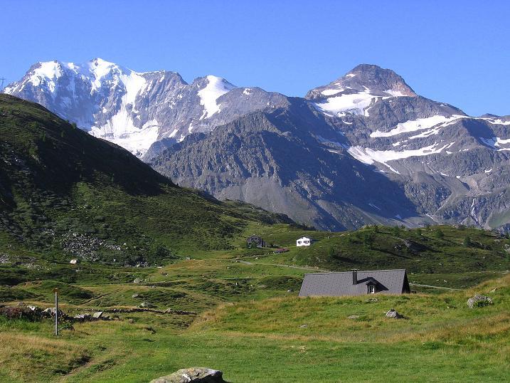 Foto: Andreas Koller / Wander Tour / Vom Simplonpass auf das Wasenhorn (3246 m) / Fletschhorn (3996 m) über dem Simplonpass / 10.09.2009 00:02:02