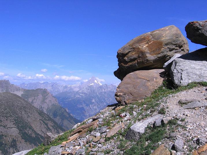 Foto: Andreas Koller / Wander Tour / Vom Simplonpass auf das Wasenhorn (3246 m) / Blick in die Berner Alpen / 09.09.2009 23:58:26