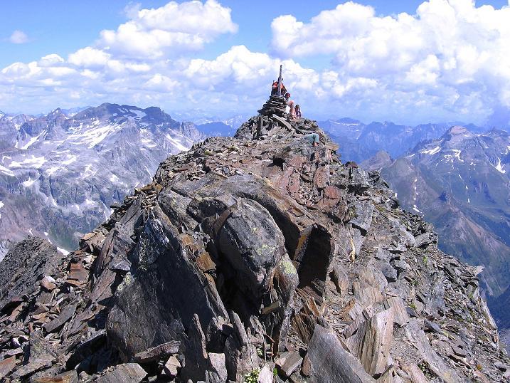 Foto: Andreas Koller / Wander Tour / Vom Simplonpass auf das Wasenhorn (3246 m) / Am Gipfel des Wasenhorn / 09.09.2009 23:50:28