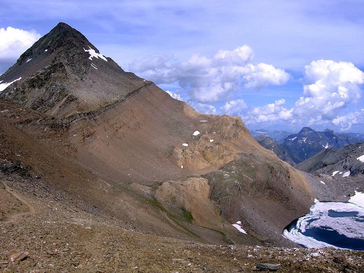 Foto: Andreas Koller / Wander Tour / Vom Simplonpass auf das Wasenhorn (3246 m) / Noch ein Blick auf das Wasenhorn (ital.: Punte Terrarossa) / 09.09.2009 23:46:05