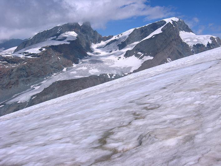 Foto: Andreas Koller / Wander Tour / Über den Hohtälligrat auf das Stockhorn (3532 m) / rimpfischhorn (4199 m) und Strahlhorn (4190 m) / 13.09.2009 23:43:53