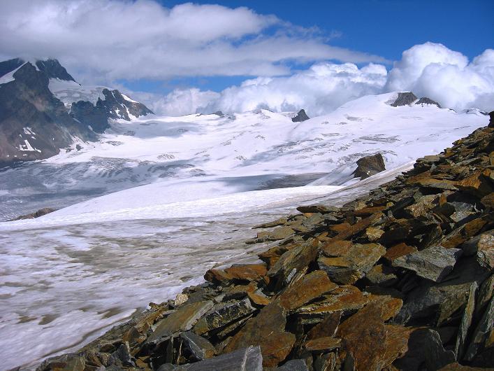 Foto: Andreas Koller / Wander Tour / Über den Hohtälligrat auf das Stockhorn (3532 m) / Abstieg vom Stockhorn / 13.09.2009 23:38:37