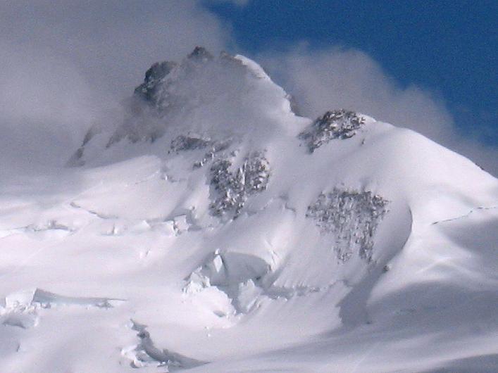 Foto: Andreas Koller / Wander Tour / Über den Hohtälligrat auf das Stockhorn (3532 m) / Dufourspitze (4634 m) / 13.09.2009 23:35:41