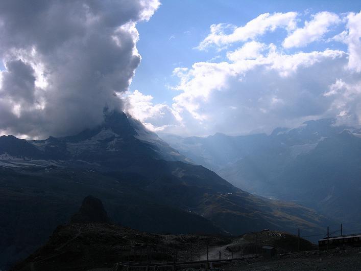 Foto: Andreas Koller / Wander Tour / Über den Hohtälligrat auf das Stockhorn (3532 m) / Stimmung am Matterhorn über Zermatt / 13.09.2009 23:35:03