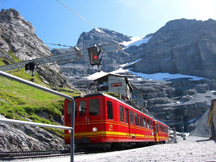 Foto: Andreas Koller / Klettersteig Tour / Klettersteig Rotstock (2663 m) / Jungfraubahn bei der Station Eigergletscher / 05.09.2009 02:22:42