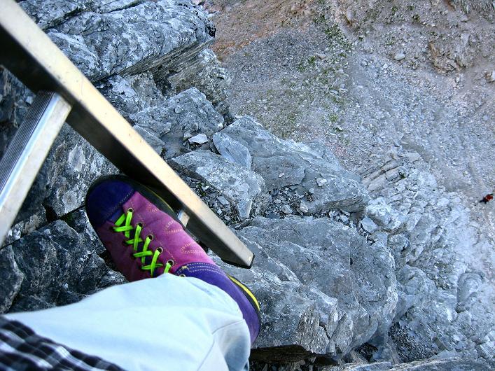 Foto: Andreas Koller / Klettersteig Tour / Klettersteig Rotstock (2663 m) / Luftige Leiternpassage zu Beginn / 05.09.2009 02:17:52