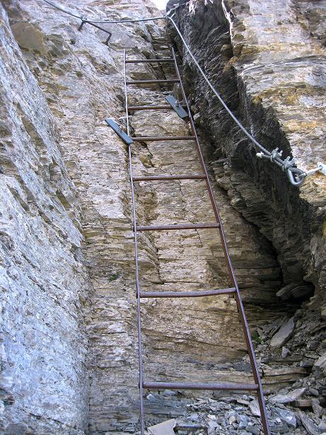 Foto: Andreas Koller / Klettersteig Tour / Klettersteig Rotstock (2663 m) / Eine angeblich historische Leiter  / 05.09.2009 02:15:52