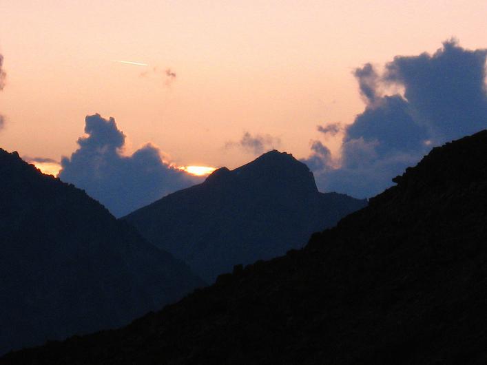 Foto: Andreas Koller / Wander Tour / Lagginhorn (4010 m) / Abendstimmung bei den Weißmieshütten / 12.09.2009 15:30:50