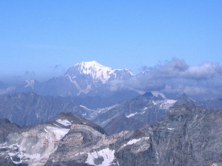 Foto: Andreas Koller / Wander Tour / Roccia Nera (4075m) - östlicher Eckpfeiler des Breithornkamms / Montblanc (4810 m) / 08.09.2009 19:57:14