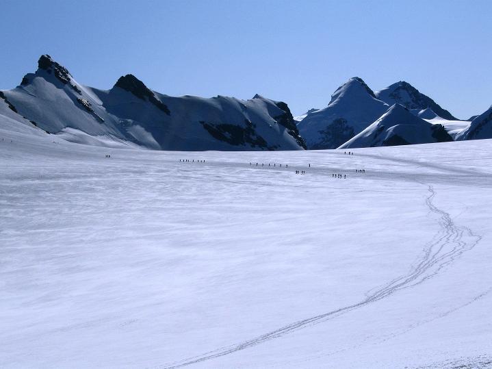 Foto: Andreas Koller / Wander Tour / Roccia Nera (4075m) - östlicher Eckpfeiler des Breithornkamms / Breithornplateau / 08.09.2009 19:56:47