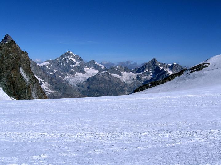 Foto: Andreas Koller / Wander Tour / Roccia Nera (4075m) - östlicher Eckpfeiler des Breithornkamms / 08.09.2009 19:56:30