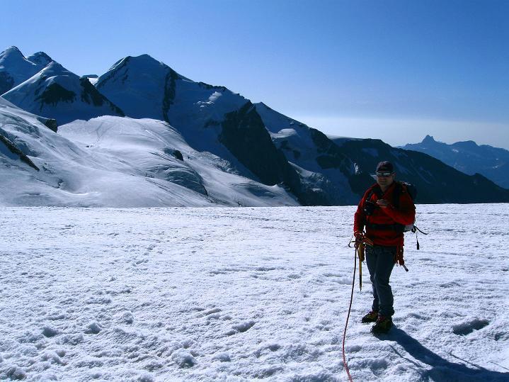 Foto: Andreas Koller / Wander Tour / Roccia Nera (4075m) - östlicher Eckpfeiler des Breithornkamms / 08.09.2009 19:56:03