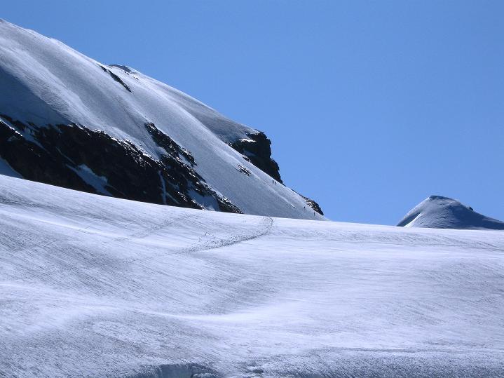 Foto: Andreas Koller / Wander Tour / Roccia Nera (4075m) - östlicher Eckpfeiler des Breithornkamms / Die Roccia Nera / 08.09.2009 19:55:22