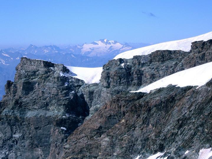 Foto: Andreas Koller / Wander Tour / Roccia Nera (4075m) - östlicher Eckpfeiler des Breithornkamms / Gran Paradiso (4069 m) / 08.09.2009 19:54:57