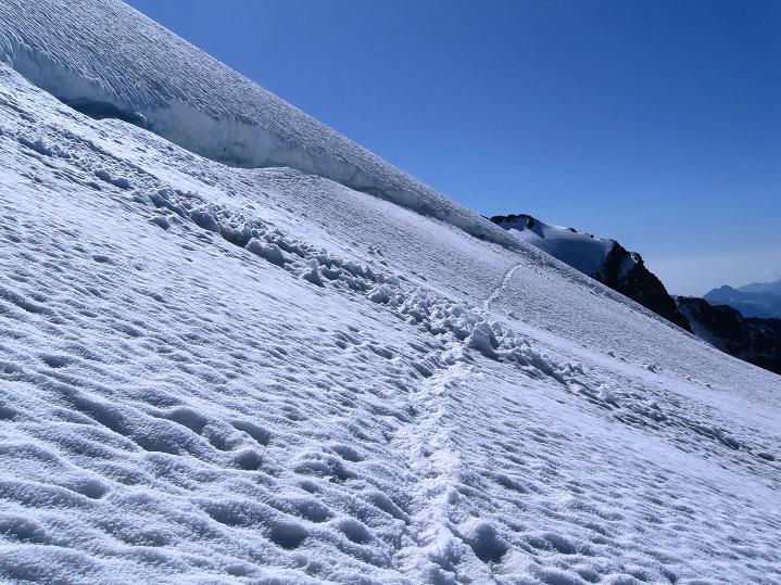 Foto: Andreas Koller / Wander Tour / Roccia Nera (4075m) - östlicher Eckpfeiler des Breithornkamms / 08.09.2009 19:54:15