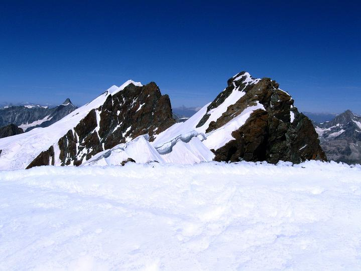 Foto: Andreas Koller / Wander Tour / Roccia Nera (4075m) - östlicher Eckpfeiler des Breithornkamms / Breithorn (4165 m) / 08.09.2009 19:51:30