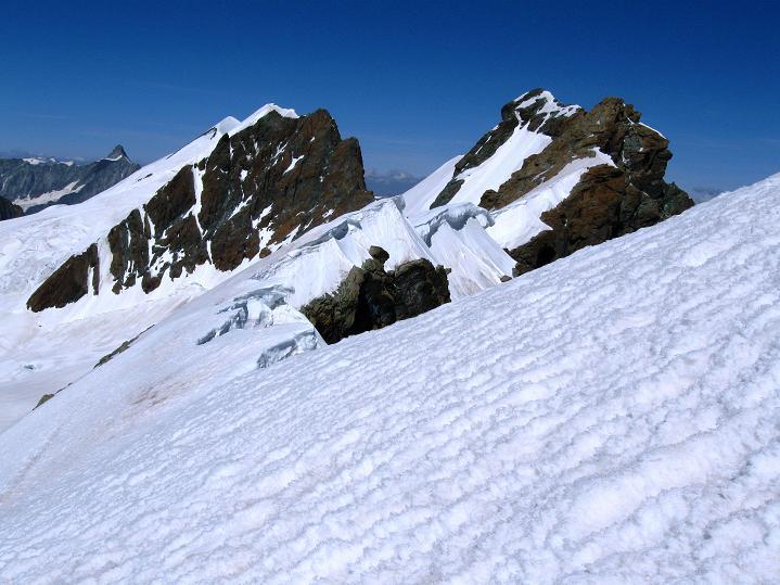 Foto: Andreas Koller / Wander Tour / Roccia Nera (4075m) - östlicher Eckpfeiler des Breithornkamms / Breithornkamm (4165 m) / 08.09.2009 19:47:41