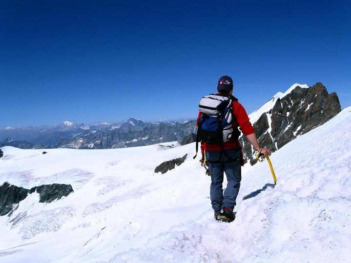 Foto: Andreas Koller / Wander Tour / Roccia Nera (4075m) - östlicher Eckpfeiler des Breithornkamms / Abstieg von der Schwarzfluh / 08.09.2009 19:47:23