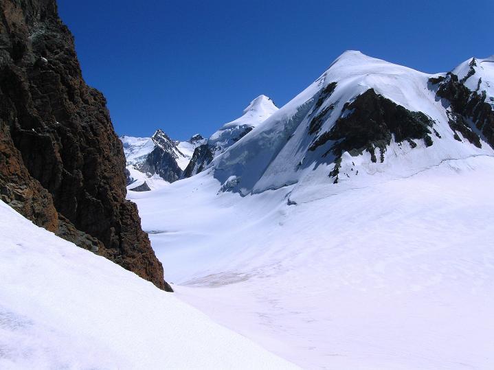 Foto: Andreas Koller / Wander Tour / Roccia Nera (4075m) - östlicher Eckpfeiler des Breithornkamms / 08.09.2009 19:46:50