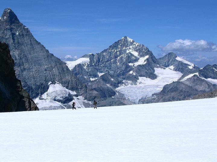 Foto: Andreas Koller / Wander Tour / Roccia Nera (4075m) - östlicher Eckpfeiler des Breithornkamms / Dent Blanche (4357 m) / 08.09.2009 19:46:12
